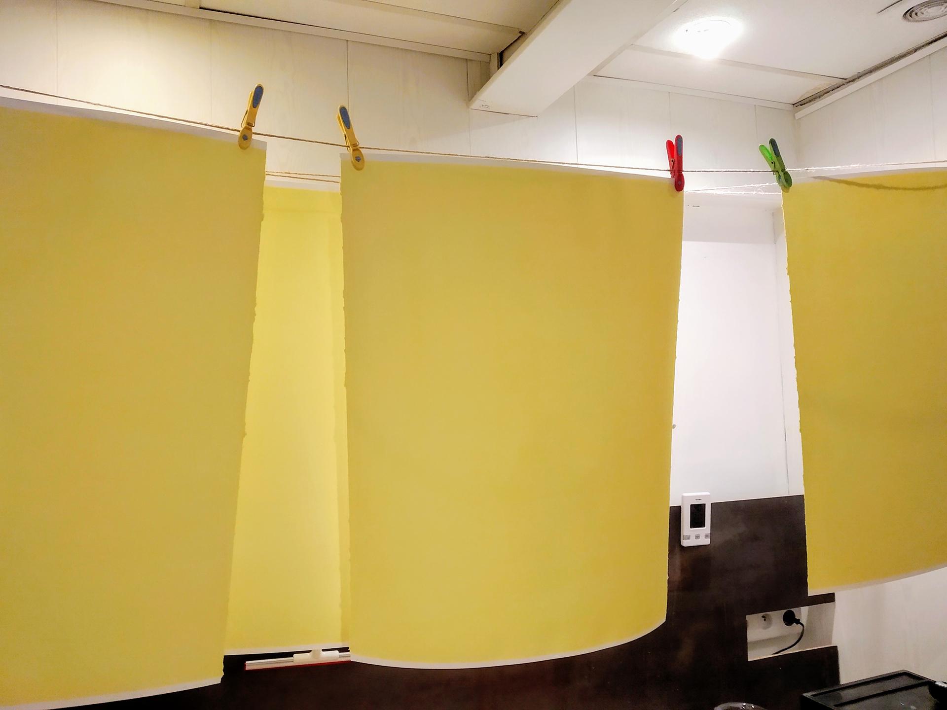 Séchage des papiers - Crédit Photo : Vera Eikona