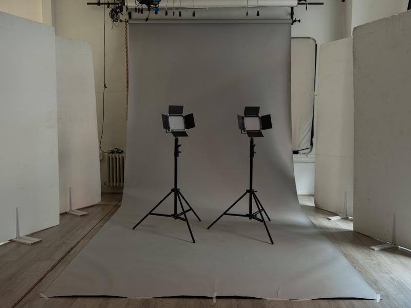 Atelier-d-en-face-studio-Panneau-Led